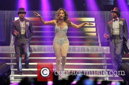 Jennifer Lopez and O2 Arena 6