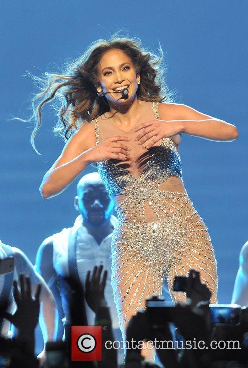 Jennifer Lopez and O2 Arena 4