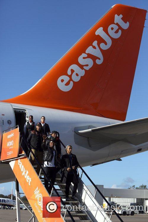 jls arrive at liverpools john lennon airport 4159131