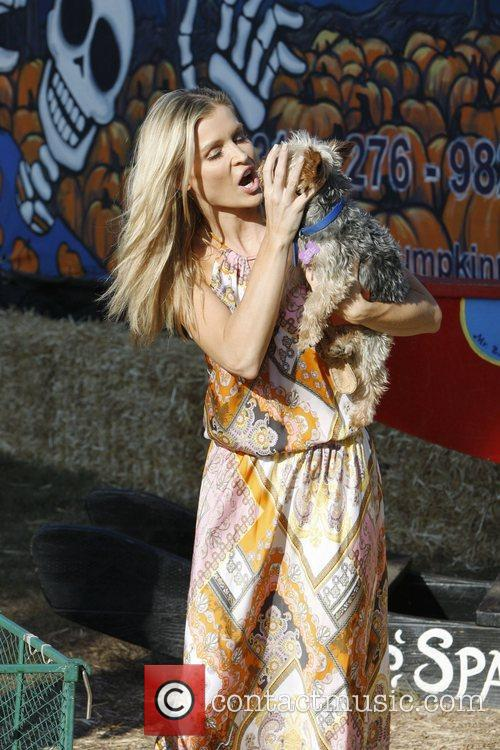 Joanna Krupa and Yorkshire 5