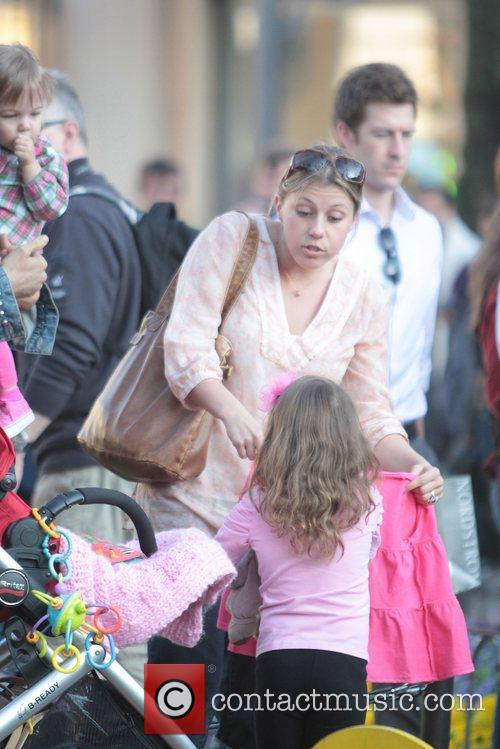 jodie sweetin hanging out at the grove 5814372