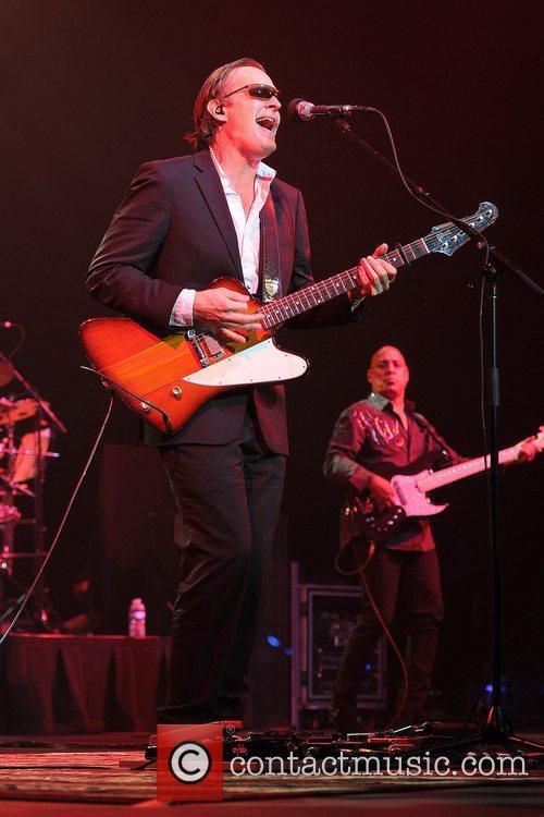Joe Bonamassa, Seminole Hard Rock Hotel and Casino's Hard Rock Live 15