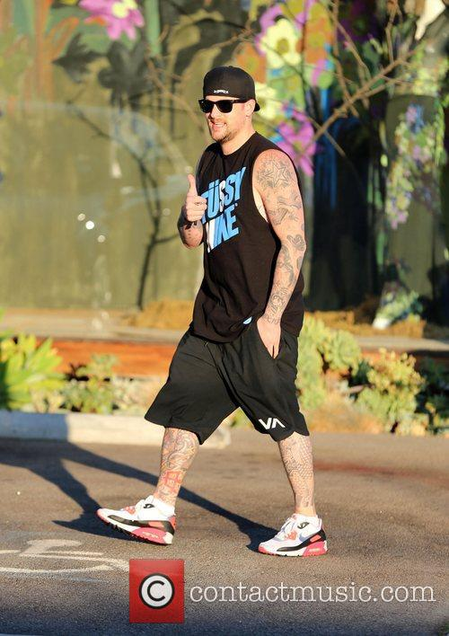 joel madden smiling as he exits andy 4152881