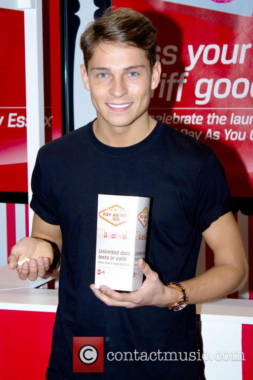 Joey Essex, Essex, Kiss, Virgin Media, Thurrock and England 2