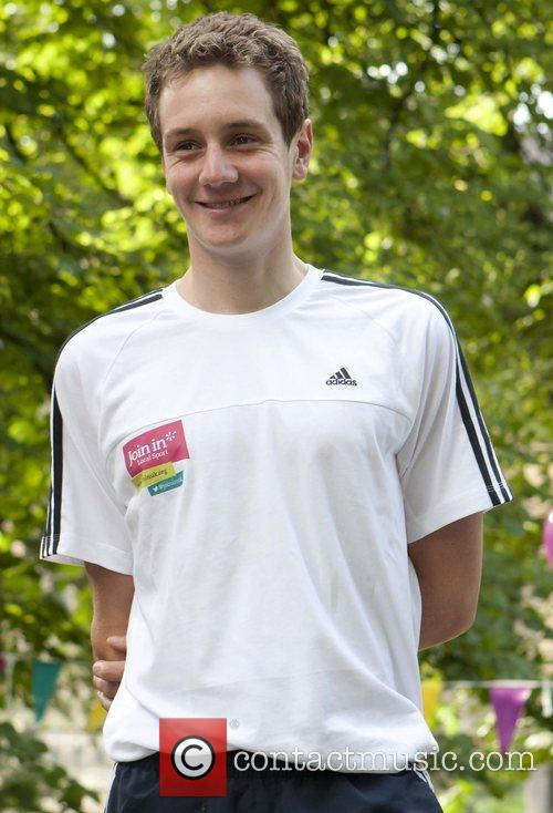 Alistair Brownlee Leeds parkrun for 'Join In Local...