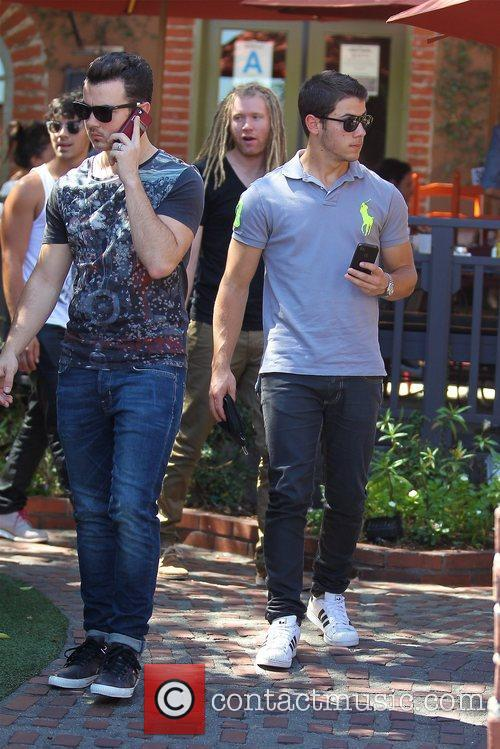 Kevin Jonas and Nick Jonas 6
