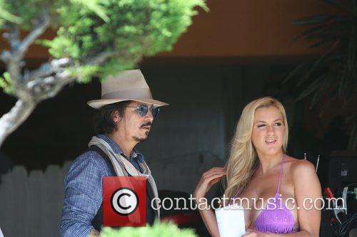 Jordan Carver and Johnny Depp 6