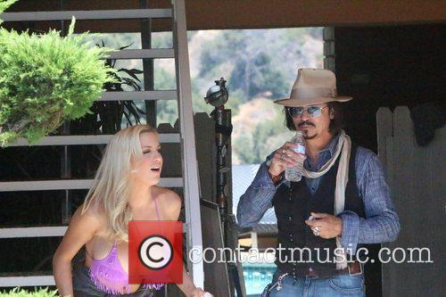 Jordan Carver and Johnny Depp 8