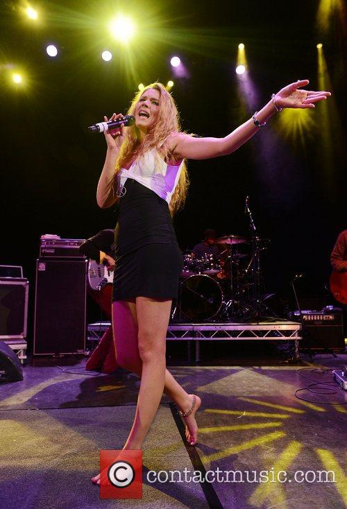 joss stone performing in concert at shepherds 4060095