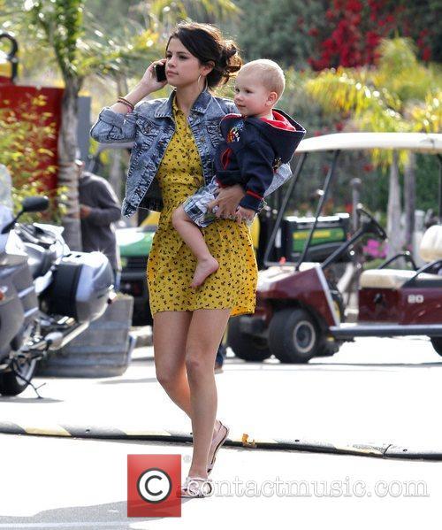 Selena Gomez, Justin Bieber and Malibu Beach 2