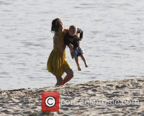 Selena Gomez, Justin Bieber and Malibu Beach 4