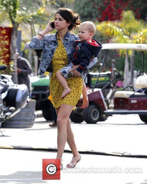 Selena Gomez, Justin Bieber and Malibu Beach 5