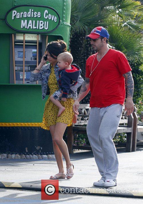 Selena Gomez, Justin Bieber and Malibu Beach 8