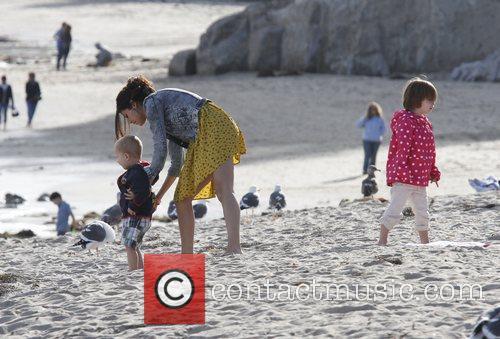 Selena Gomez, Justin Bieber and Malibu Beach 9