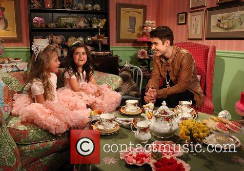 Everyone's favorite singing sensations from England, Sophia Grace...