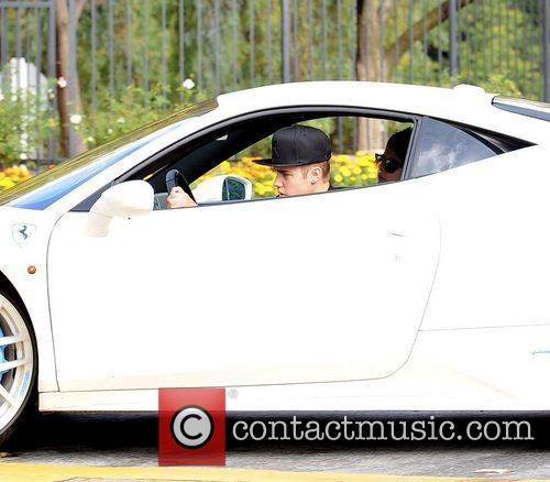 Pop, Justin Bieber, Calabasas Estate, Ferrari and Selena Gomez 8