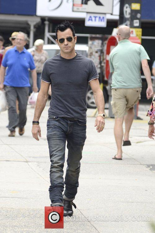 Justin Theroux strolling in Soho in Manhattan