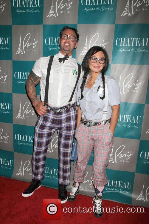 Roger Mathews, Jenni Jwoww Farley, Halloween, Chateau Nightclub, Gardens, Paris and Las Vegas 8