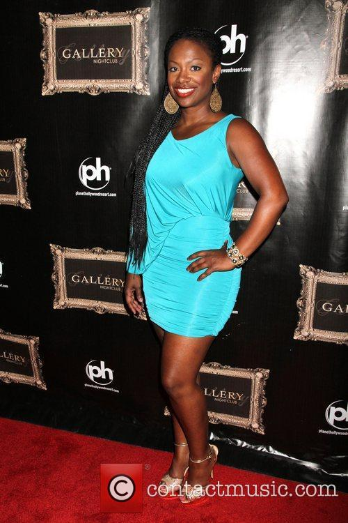 kandi burruss celebrates the new series of 5825101