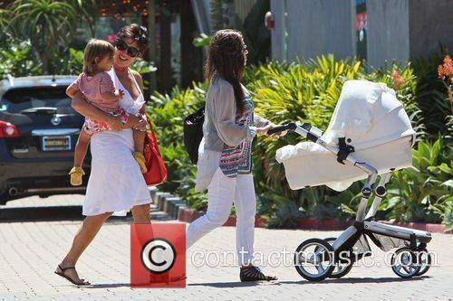 Kourtney Kardashian, Kris Jenner and Mason 4