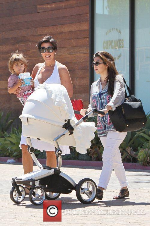 Kourtney Kardashian, Kris Jenner and Mason 5
