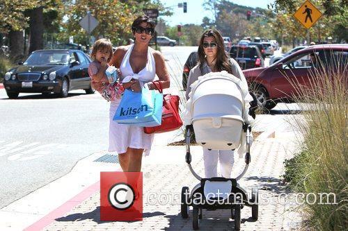 Kourtney Kardashian, kris jenner and Mason 11
