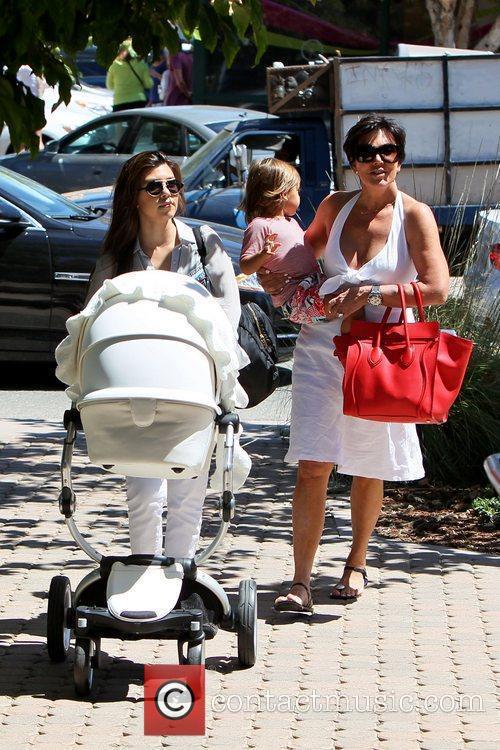 Kourtney Kardashian, kris jenner and Mason 19