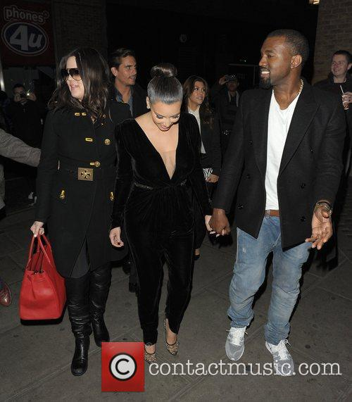 Kim Kardashian, Kanye West, Khloe Kardashian, Kourtney Kardashian, Scott Disick and Hakkasan 6