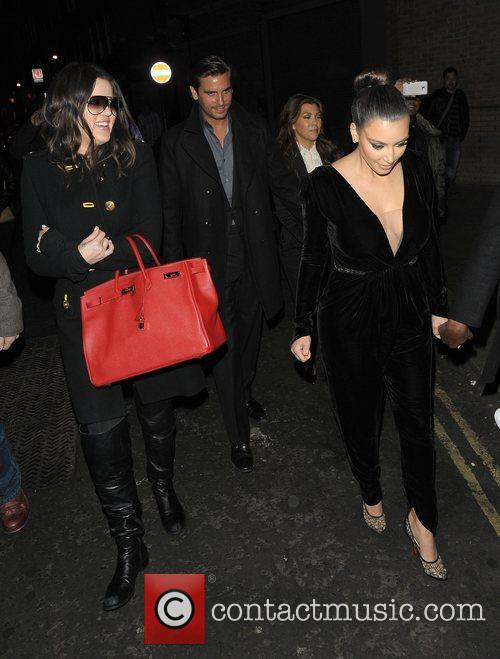 Kim Kardashian, Khloe Kardashian, Kourtney Kardashian and Scott Disick 5