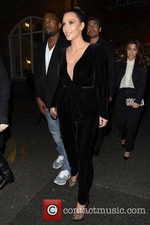 Kim Kardashian, Kanye West, Khloe Kardashian, Kourtney Kardashian, Scott Disick and Hakkasan 5