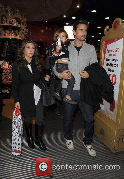 Kourtney Kardashian, Hamley, Scott Disick and Mason 8