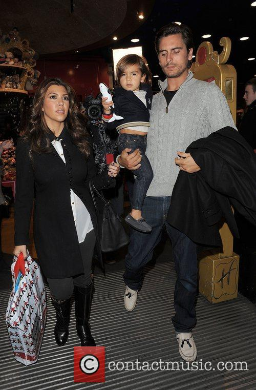 Kourtney Kardashian, Hamley, Scott Disick and Mason 11