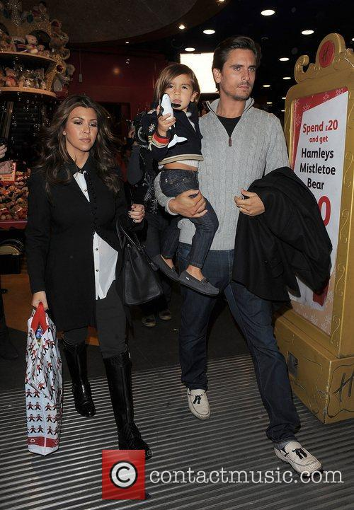 Kourtney Kardashian, Hamley, Scott Disick and Mason 9