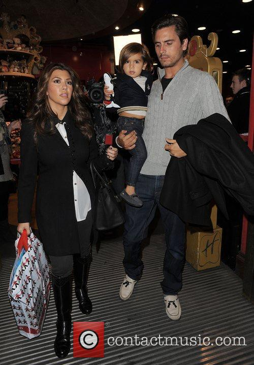 Kourtney Kardashian, Hamley, Scott Disick and Mason 3