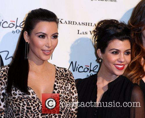 kim kardashian and kourtney kardashian the kardashian family 3659196