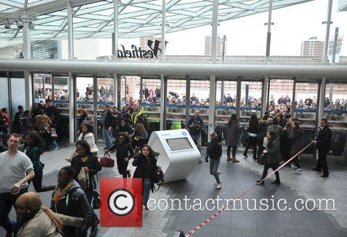 Police, Kardashian Sisters, Westfield London and Kardashian Kollection 16