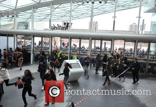 Police, Kardashian Sisters, Westfield London and Kardashian Kollection 4