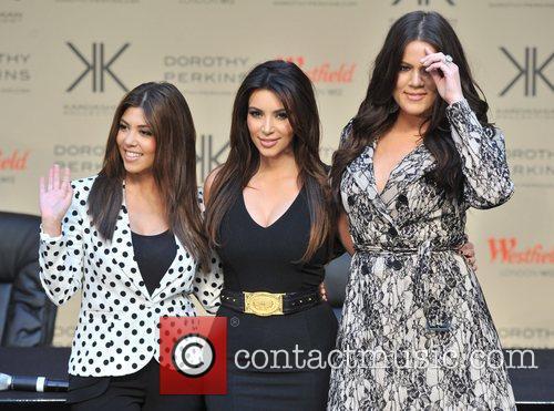 Khlo, Kardashian Odom, Kim Kardashian and Kourtney Kardashian 6