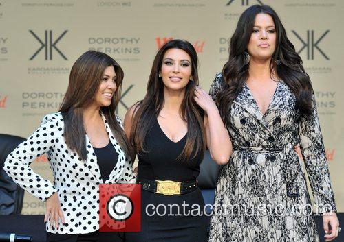 Khlo, Kardashian Odom, Kim Kardashian and Kourtney Kardashian 8