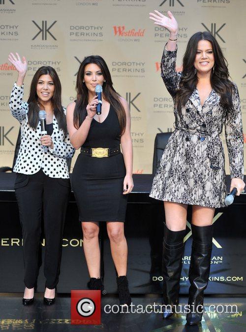 Khlo, Kardashian Odom, Kim Kardashian and Kourtney Kardashian 7
