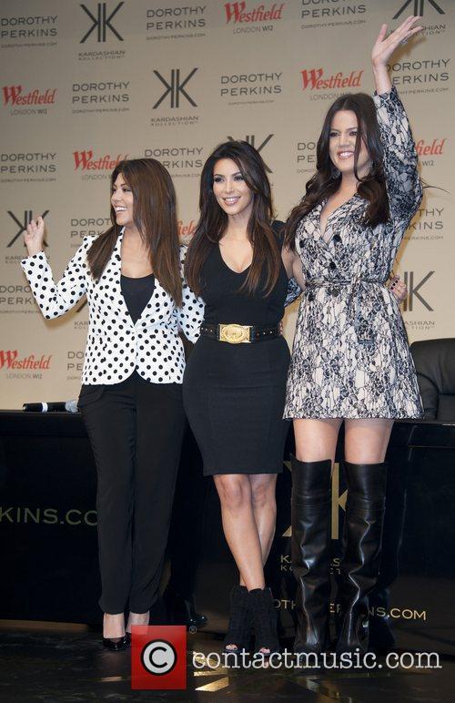 Kourtney Kardashian, Khloe Kardashian Odom and Kim Kardashian 5