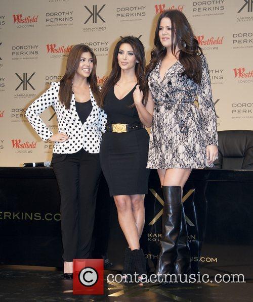 Kourtney Kardashian, Khloe Kardashian Odom and Kim Kardashian 4