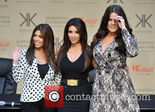 Kourtney Kardashian, Kim Kardashian and Khloe Kardashian 14