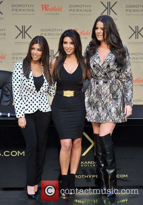 Kourtney Kardashian, Kim Kardashian and Khloe Kardashian 22