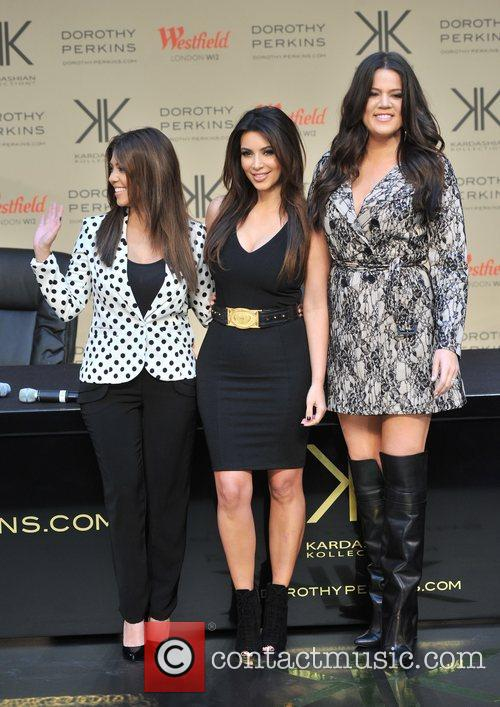 Kourtney Kardashian, Kim Kardashian and Khloe Kardashian 3