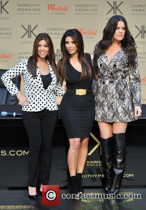 Kourtney Kardashian, Kim Kardashian and Khloe Kardashian 18