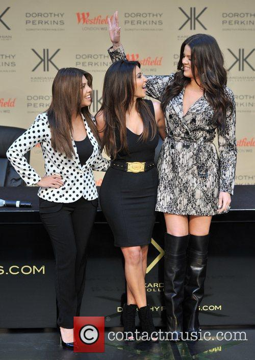 Kourtney Kardashian, Kim Kardashian and Khloe Kardashian 11