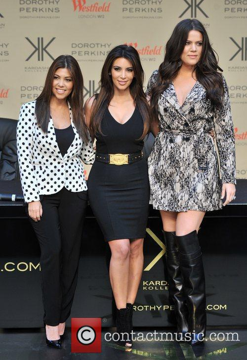 Kourtney Kardashian, Kim Kardashian and Khloe Kardashian 1