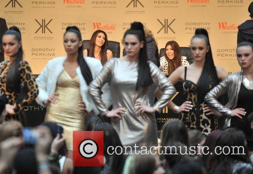 Kourtney Kardashian, Kim Kardashian and Khloe Kardashian 8