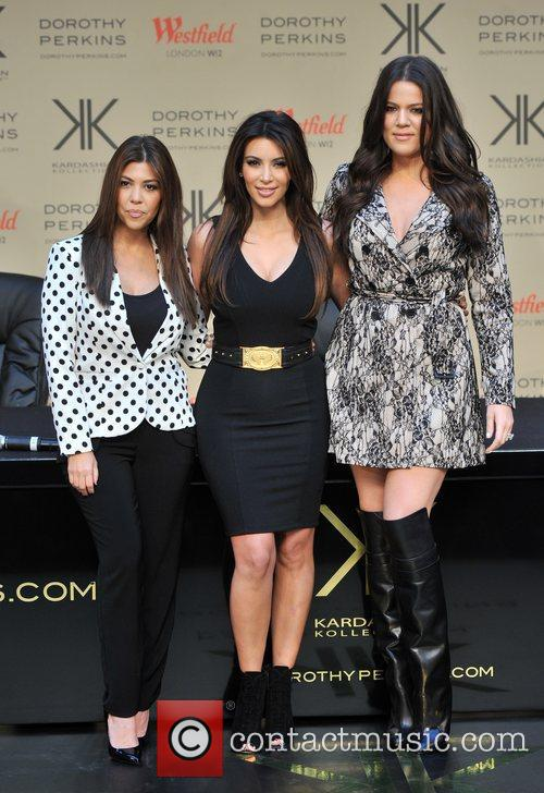 Kourtney Kardashian, Kim Kardashian and Khloe Kardashian 12